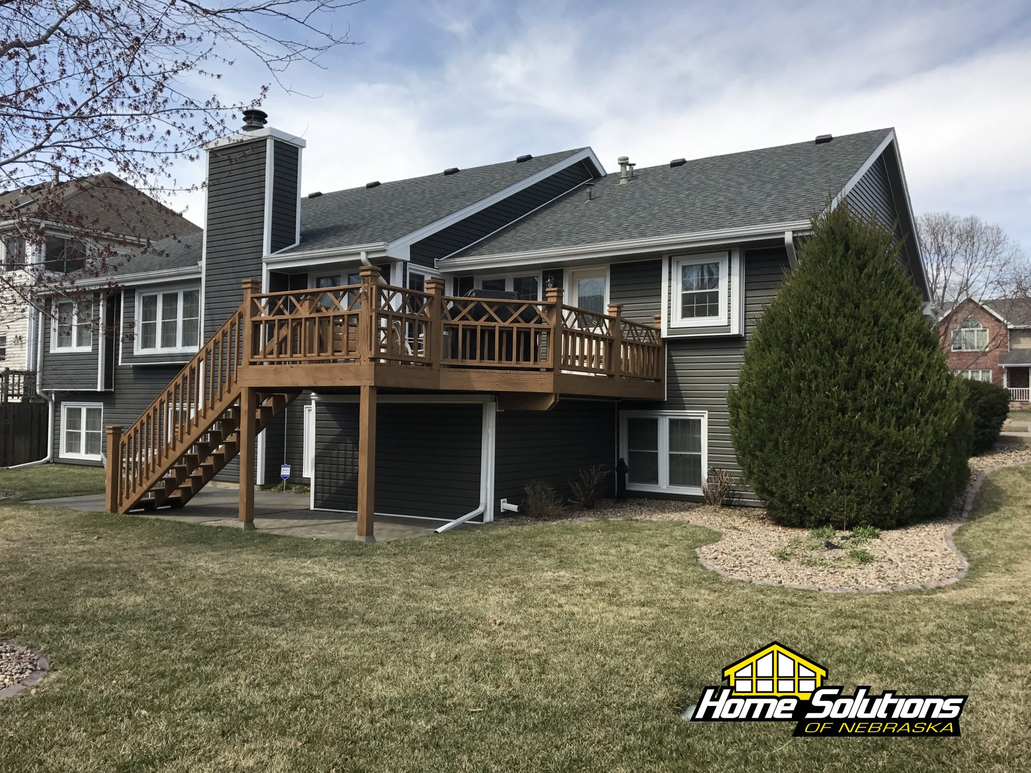 windows siding and roofing project in lincoln